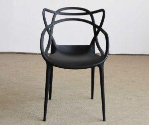Oggetti di design Sedia Masters Kartell by Philippe Starck e Eugeni Quitllet